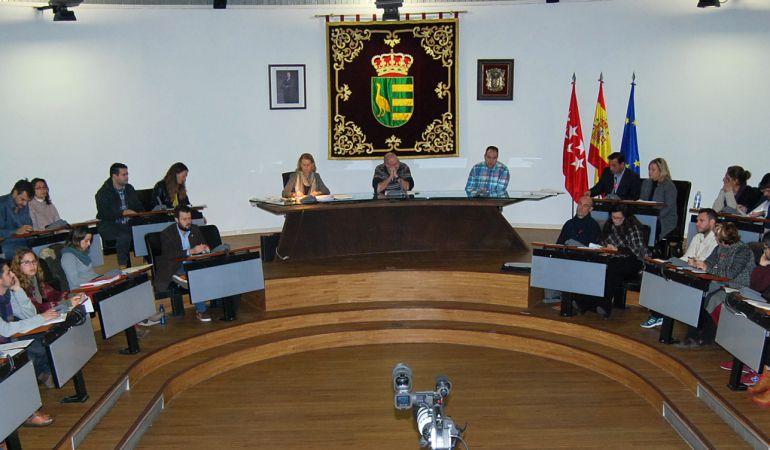 El juzgado considera que la comisión sobre la Púnica no fue convocada conforme a derecho