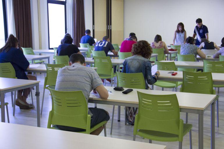 Los alumnos temen un descenso de las notas con la nueva selectividad