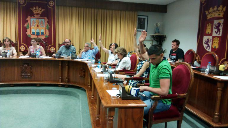 El PSOE se abstiene en el reparto de los remanentes