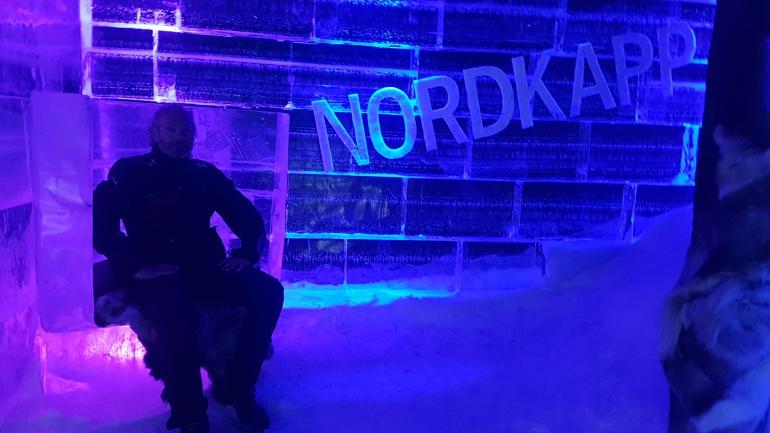 """El """"trono de hielo"""" del Ice Artic Bar, a un paso de Cabo Norte"""