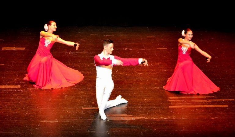 Los alumnos de las escuelas de danza y música ponen en escena las piezas que han preparado este curso