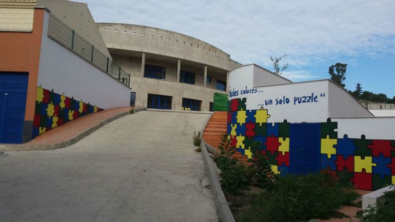 Accesos al centro situado en Las Virreinas (Málaga)