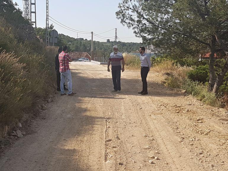 El Ayuntamiento arregla varios caminos en la pedanía de Araia