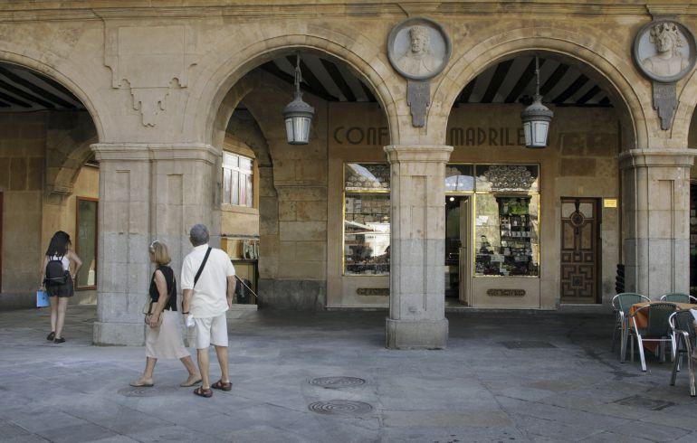 La Plaza Mayor, sin medallón de Franco.