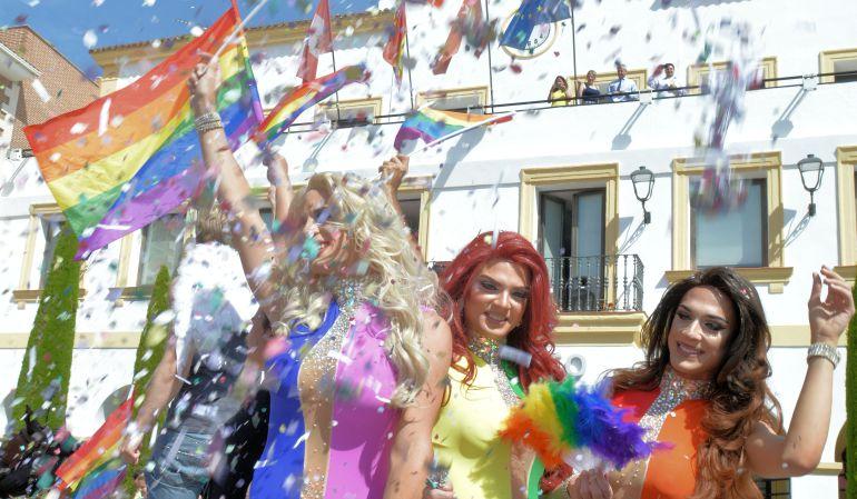 Por segundo año, Sanse se suma a la conmemoración del Día del Orgullo en la Plaza de la Constitución con todo un espectáculo de color, música, alegría y tolerancia