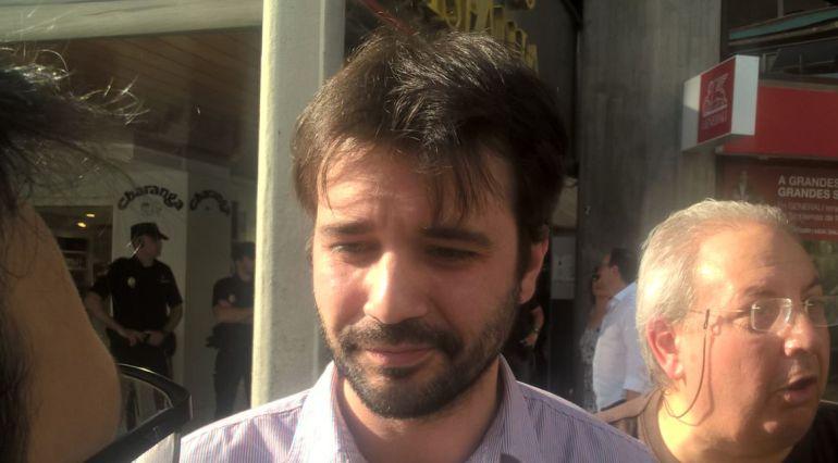 El diputado nacional de Unidos-Podemos por Murcia, Javier Sánchez Serna instantes después de ser denunciado y multado