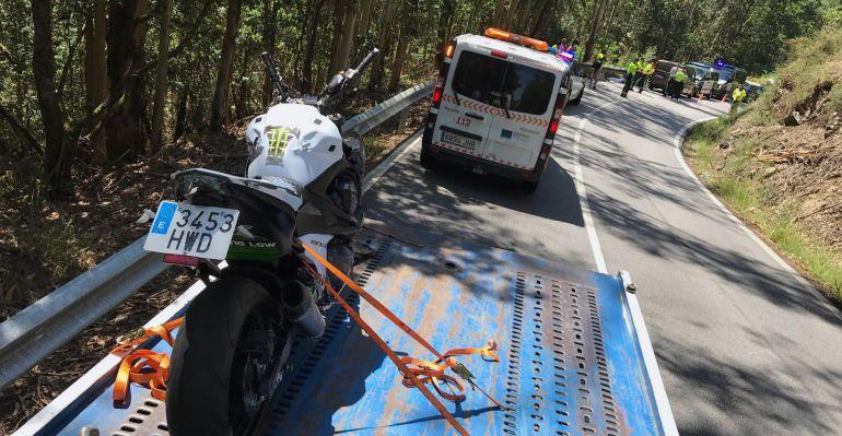Dos muertos en un accidente de moto en la carretera que une Cuntis con Moraña: Dos muertos en un accidente de tráfico en Cuntis