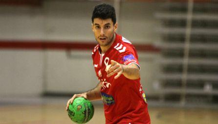 El central leonés Alberto Molina con la camiseta de Gijón Jovellanos