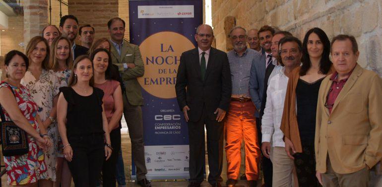 Algunos de los participantes, empresarios y patrocinadores de la Noche de la Empresa
