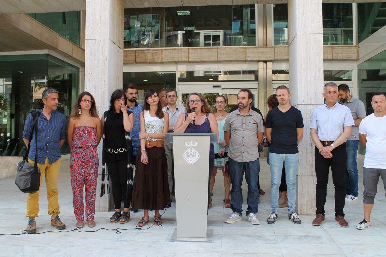 Imagen de la lectura de la Declaración institucional