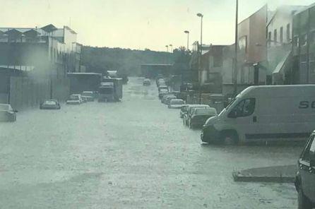 Polígono de Martos afectado por la lluvia.