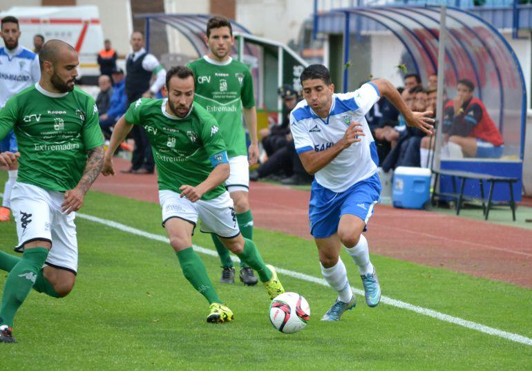Sergio Narváez durante un partido con el Marbella