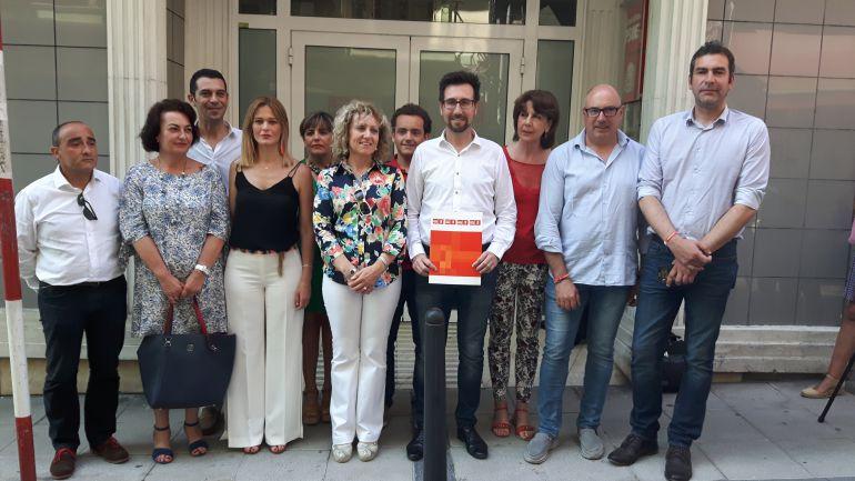 La secretaría general del Psoe Cantabria momentos antes de presentar su candidatura para el proceso de primarias.