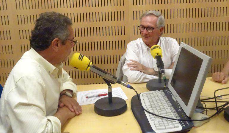 Xavier Trías, en el estudio de Hoy por Hoy Sevilla, junto a Salomón Hachuel