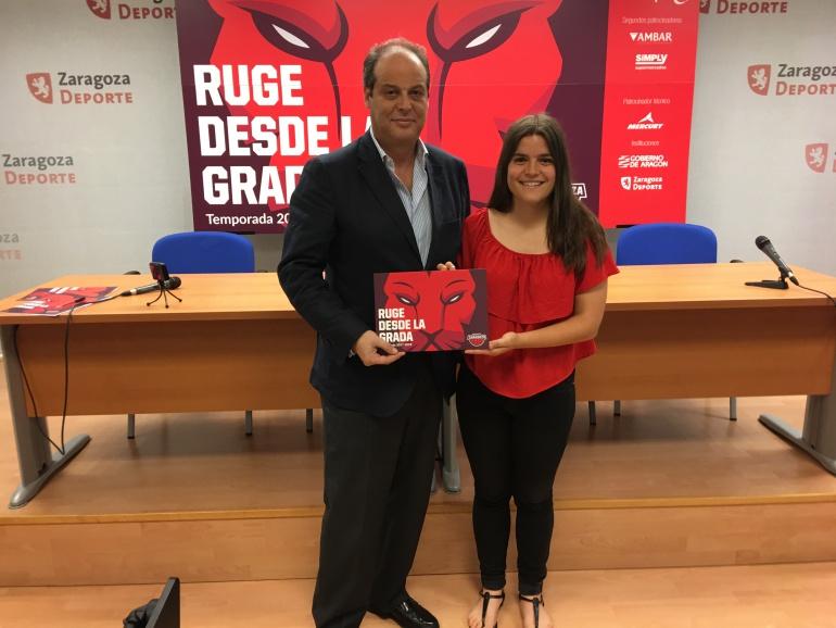 El gerente, Jesús Aznar, y la resposanble de marketing, Alodia Villar, preseentan el lema de la campaña