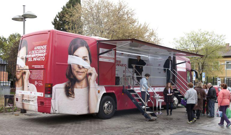 En la unidad de la campaña 'Mujeres por el Corazón' a las asistentes se les realizarán pruebas y mediciones de colesterol, tensión, masa corporal y perímetro de cintura