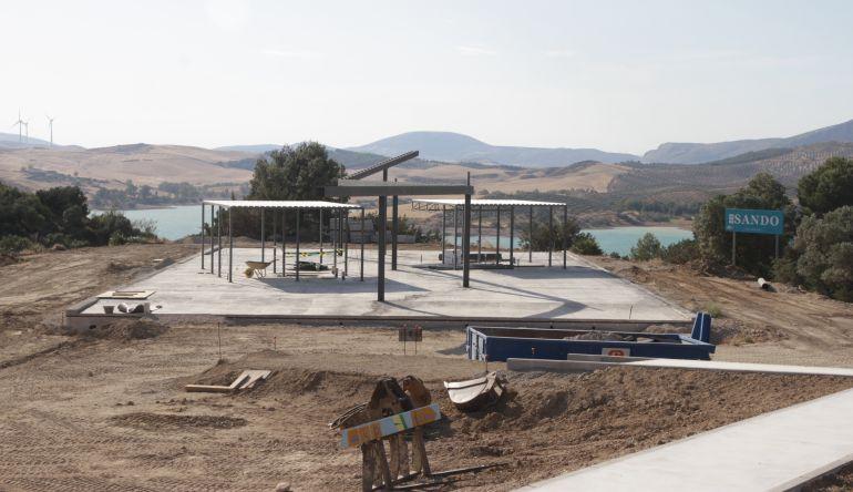 Así se encuentra la estructura del futuro centro de interpretación del Caminito del Rey (Málaga)