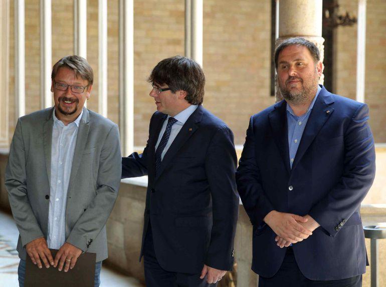 Momentos antes de la reunión en la Generalitat.