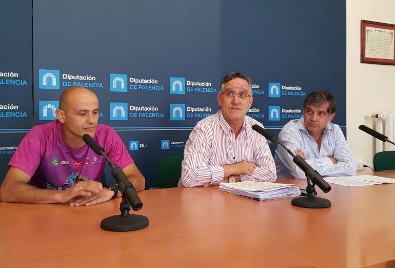 José Javier Gómez (i), Gonzálo Pérez Ibáñez (c) y Enrique Hermoso (d)