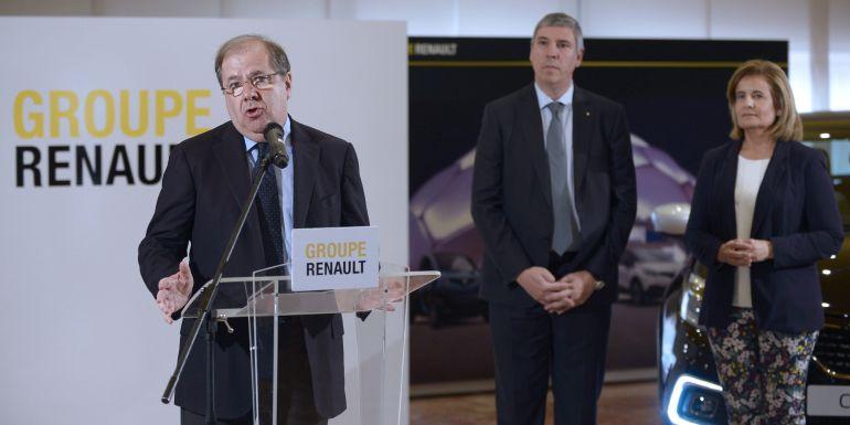 Herrera, De los Mozos y Báñez visitan la factoría de Renault en Valladolid