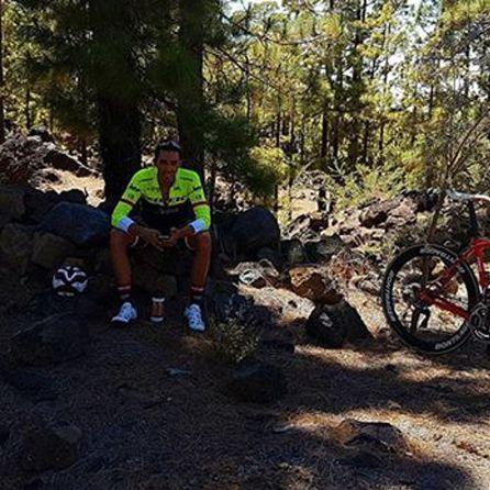 Alberto Contador publicó esta web en redes sociales durante un descanso de su entrenamiento