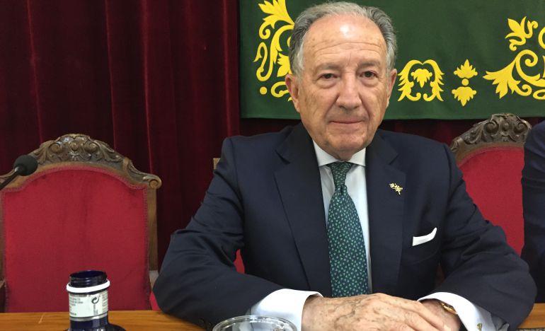 Félix Sanz Roldán duranrte la entrega del premio.