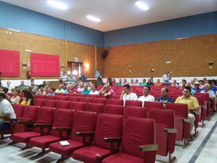 Público asistente al acto que tenía lugar en el Salon de Actos de la Casa de la Cultura
