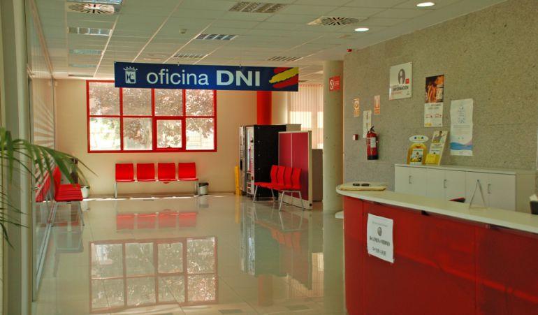 Se multiplican las citas para tramitar el dni ser madrid norte hora 14 madrid norte cadena ser - Arreglar silla oficina se queda baja ...