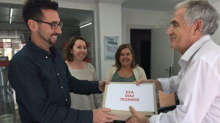 Entrega de los avales de la candidatura que encabeza Eva Díaz Tezanos.