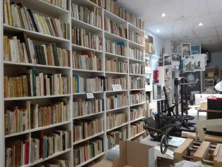 La librería en la que se encuentra el Museo del Escritor, Galileo 52