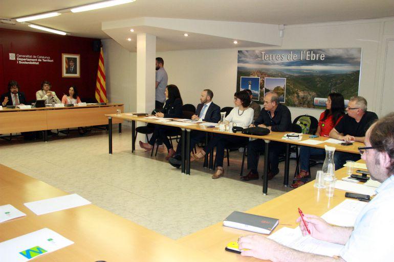 Imatge d'arxiu del Consell Econòmic i Social de les Terres de l'Ebre, presidida pel secretari d'Infraestructures i Mobilitat, Ricard Font, la primavera de 2016.