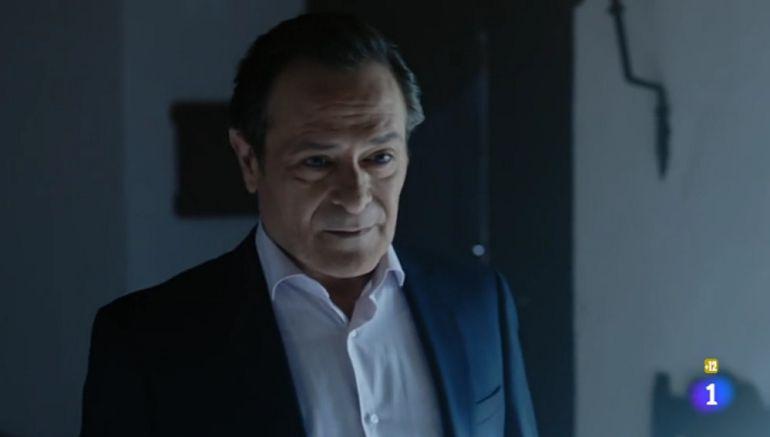 Santiago Meléndez, en una escena de la serie 'Olmos y Robles'