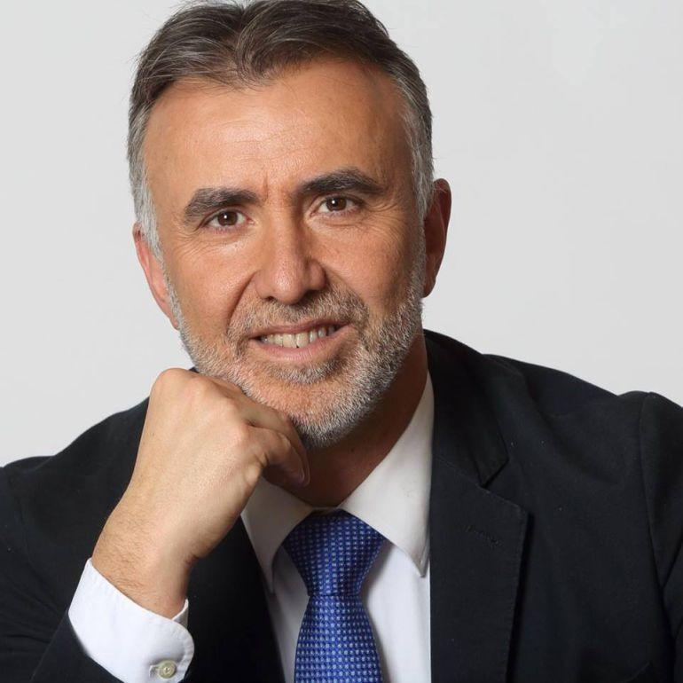 Ángel Víctor Torres se mantiene como el candidato con más avales presentados