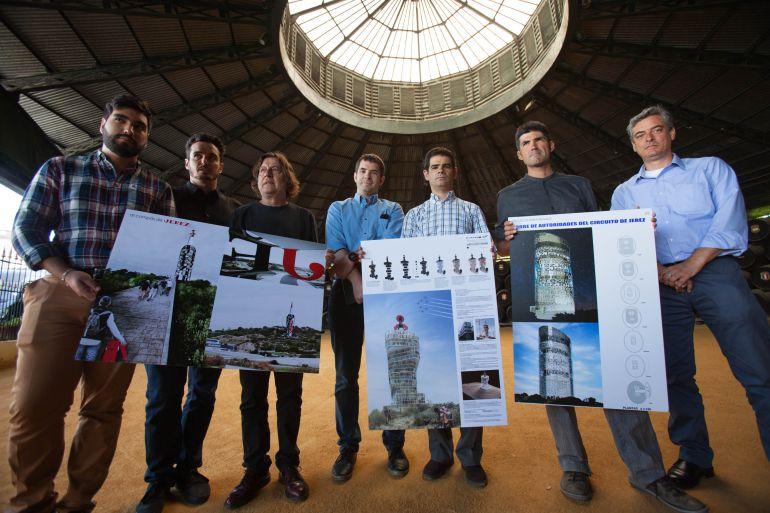 Imagen de la presentación de los tres finalistas en el concurso para la remodelación de la torre de autoridades del Circuito de Jerez