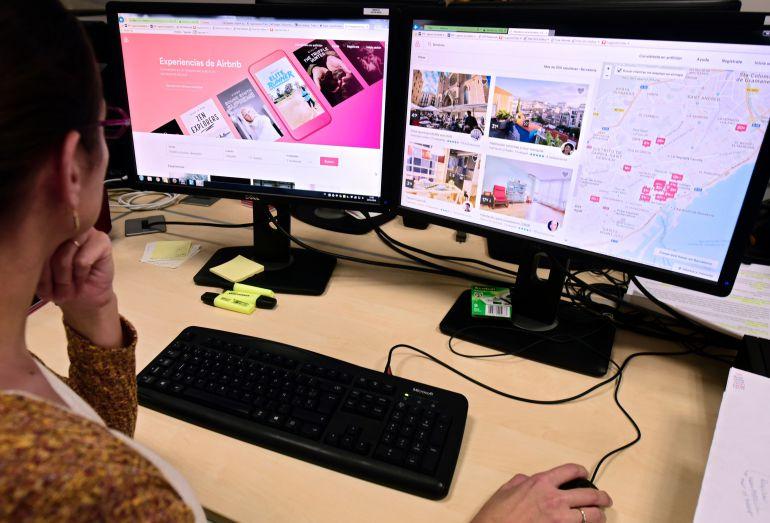 Airbnb retirarà els anuncis de pisos turístics il·legals que detecti l'Ajuntament