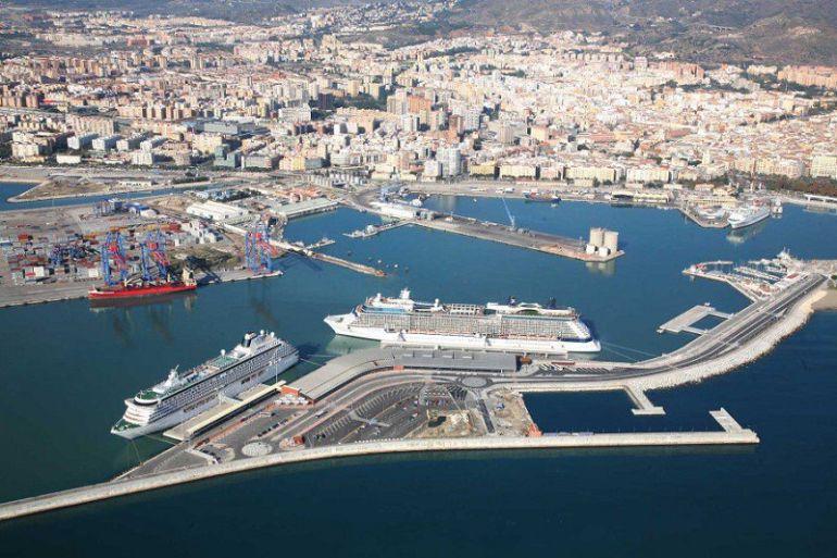 Tráfico portuario: Cae el tráfico de mercancías en el puerto en el primer semestre pero suben los cruceros