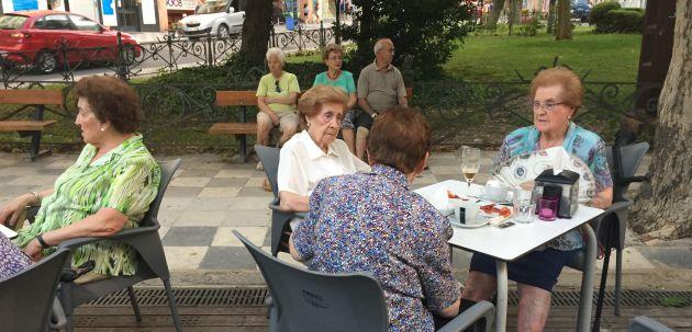 El índice de envejecimiento de Castilla-La Mancha está tres puntos por debajo de la media nacional.