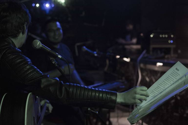 Mikel Toledo y David Juárez durante una actuación en un local ajeno a la información.