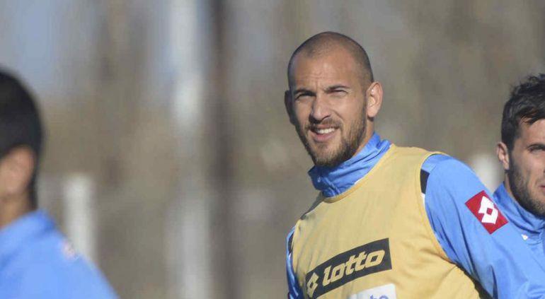 Resultado de imagen de Segunda temporada para el argentino Aveldaño en el Tenerife