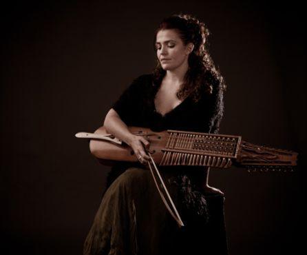 Ana Alcaide protagoniza el Concierto Central de la 45 Cita con la Música Folk 2017, el 26 de Agosto en la Plaza de Toros de Jódar