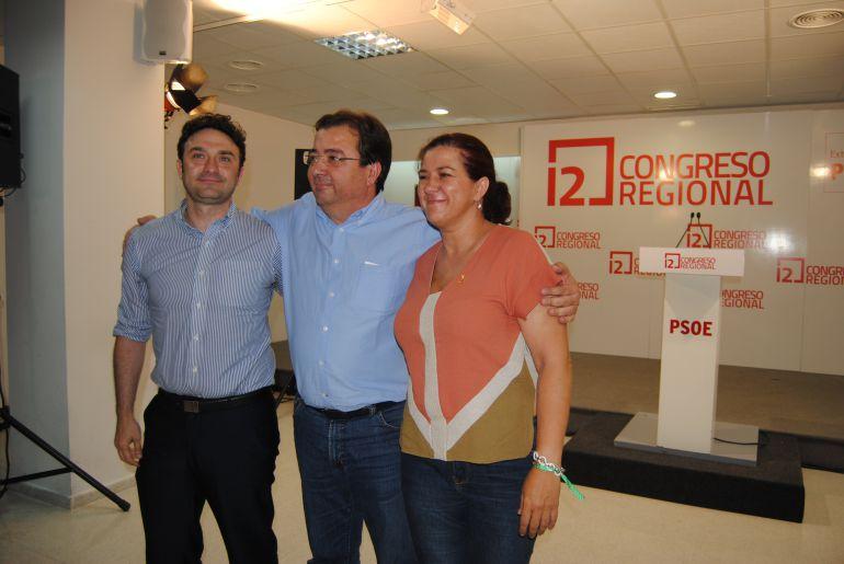 Vara abraza a los otros candidatos Enrique Pérez y Eva Pérez