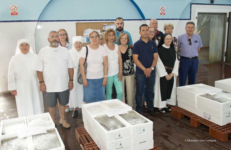 Pescadores de Cartagena entregan 844 kilos de pescado a entidades benéficas