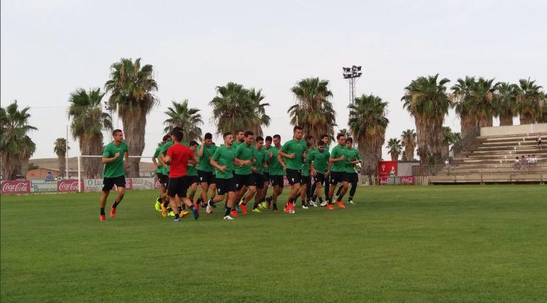 El equipo entrena en la ciudad deportiva