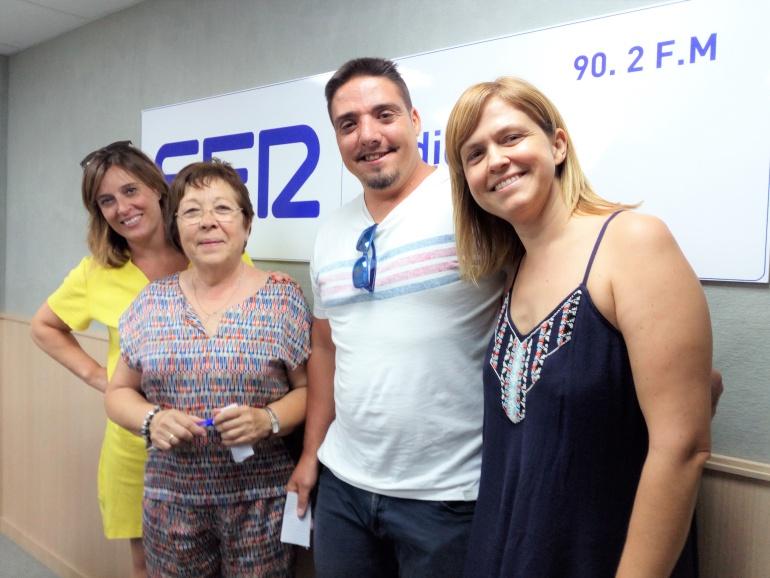 Isabel Orovio, presidenta de AFA, Ana Angulo, Trabajadora Social, Esther Navarro, periodista y Juan Antonio Delicado, director del corto en Radio Elda SER