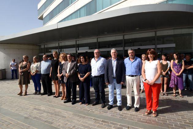 Concentración en la Diputación de Granada contra la violencia de género