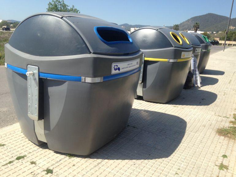 Imagen de los contenedores de recogida selectiva de Vila