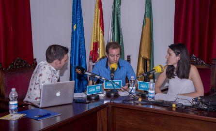 De izquierda a derecha, César García, el historiador loperano, Nicolás Aljarilla, y la técnica de turismo, Mari Ángeles Capilla.
