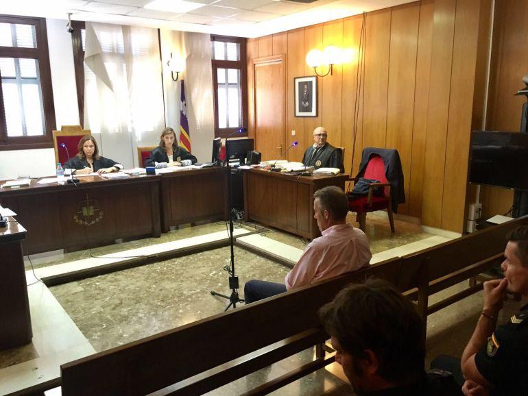 Una testigo del caso Cursach denuncia que han intentado sacarla de la carretera mientras conducía