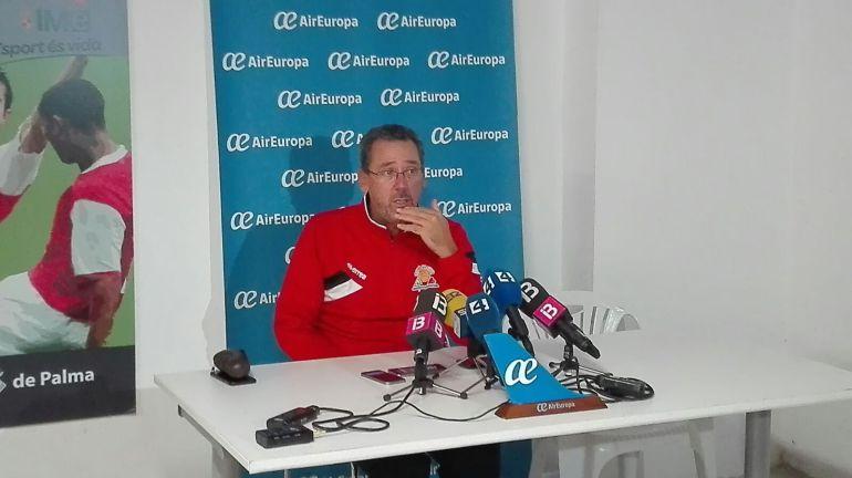 """Xavi Sastre: """"Creo que tendremos un equipo para competir por los play-off"""""""