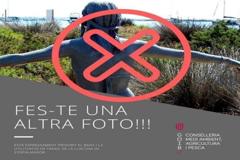 El Govern balear prohibe los baños de este tipo en Formentera y el GOB advierte de la erosión que suponen en Menorca